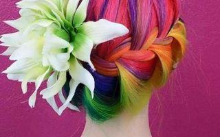 Цветное колорирование волос: трехцветное и разноцветное, в красных и синих, зеленых и фиолетовых тонах, рыжими прядями