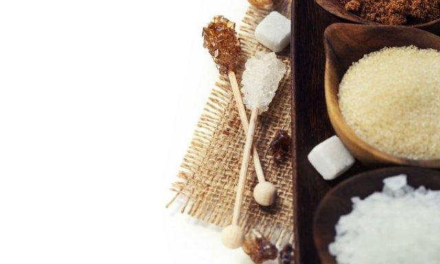 Паста для шугаринга Николс - преимущества и недостатки сахарного средства для депиляции, для каких зон на теле подходит, особенности выбора, есть ли противопоказания; мануальная техника нанесения сахарной массы nicols и бандажная; стоимость косметики