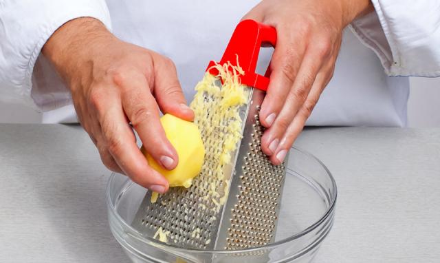 Как избавиться от мешков под глазами навсегда в домашних условиях: народное средство, что быстро помогает, картофель и петрушка от отечности