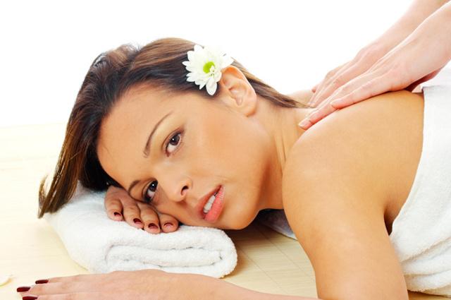 Можно ли делать массаж при месячных: антицеллюлитный на спине и шее, лимфодренажный в критические дни, вакуумный, общий при менструации