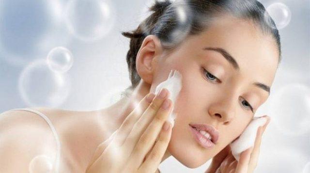 Почему скатывается крем на лице после нанесения: что это значит - сворачивается тональный на коже