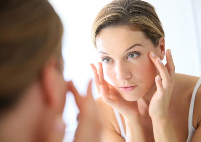 Кубики льда для лица: рецепты с ромашкой от морщин вокруг глаз, отзывы косметологов о ромашковой ледяной маске с алоэ