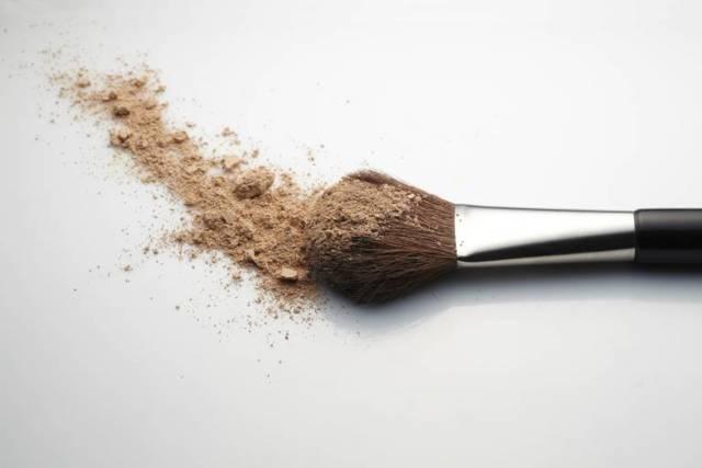 Можно ли пользоваться зимой увлажняющим кремом для лица: 8 лучших и хороших средств для увлажнения, можно ли мазать, как пользоваться
