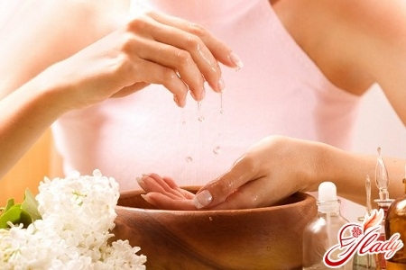Парафиновая ванночка: ванна для парафинотерапии ног и рук, отзывы о парафине в домашних условиях