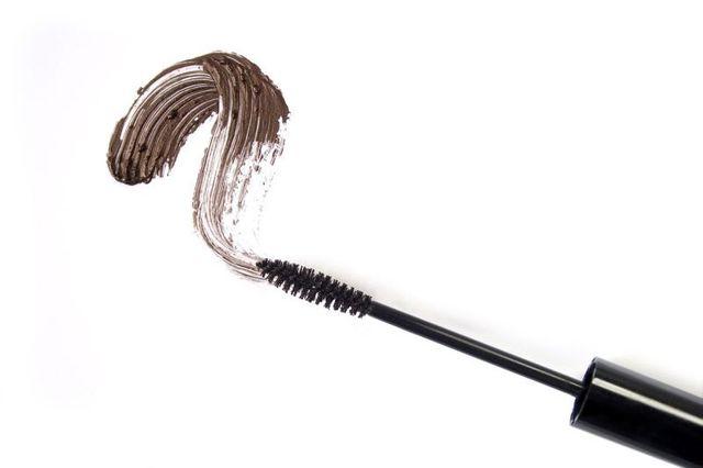 Чем разбавить тушь для ресниц: можно ли восстановить засохшую водостойкую в домашних условиях, как развести разбавителем, если засохла