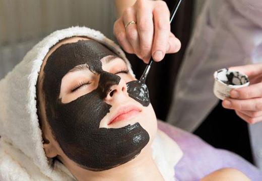 6 черных масок для лица в домашних условиях с активированным углем - как сделать
