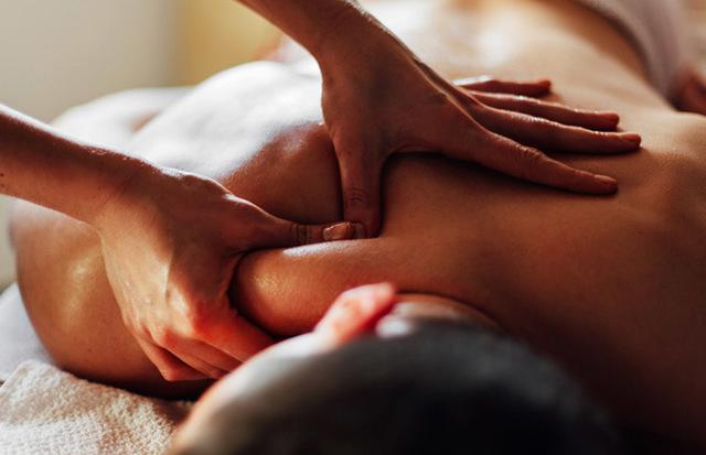 Классический массаж: этапы классики, что это такое, описание оздоровительного, чем отличается общий от спортивного, противопоказания
