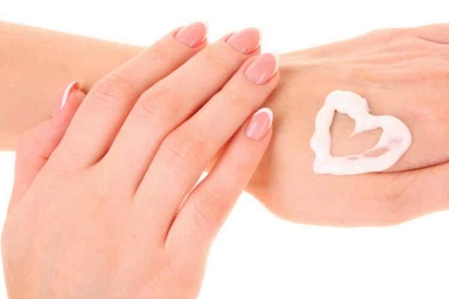 Крем для рук с мочевиной: что это такое, названия с 10 процентов, handwunder в аптеке, Лекарь в косметологии