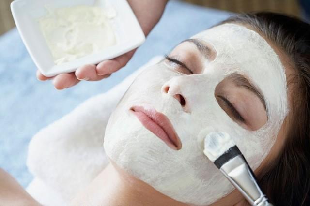 Кефирная маска для лица: отзывы и польза комочков для кожи