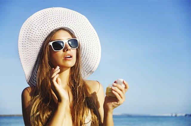 Можно ли загорать кормящей маме на солнце, как правильно загорать, отзывы, влияние солнца на организм человека.