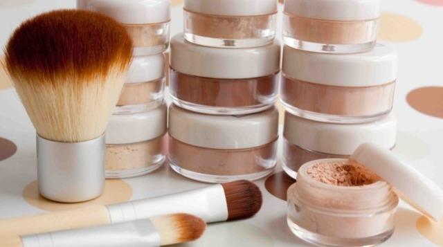 Минеральная пудра: рейтинг лучших компактных для жирной кожи лица, какую выбрать: бюджетную, жидкую, рассыпчатую, отзывы об увлажняющей