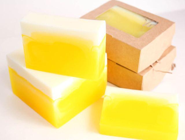 Можно ли мыть голову хозяйственным мылом: польза и вред, полезно ли жидким для рук, как правильно, применение с глицерином