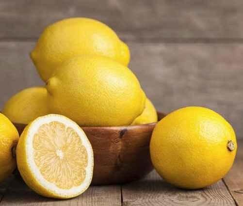Маска из сметаны для лица: отзывы о сметанной, польза и вред от морщин, эффект для кожи, можно ли мазать с лимоном, чем полезна