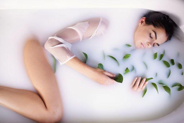 Молочко для тела: как пользоваться увлажняющим body milk, как использовать лучшее, нужно ли смывать Дав парфюмированное, способ применения