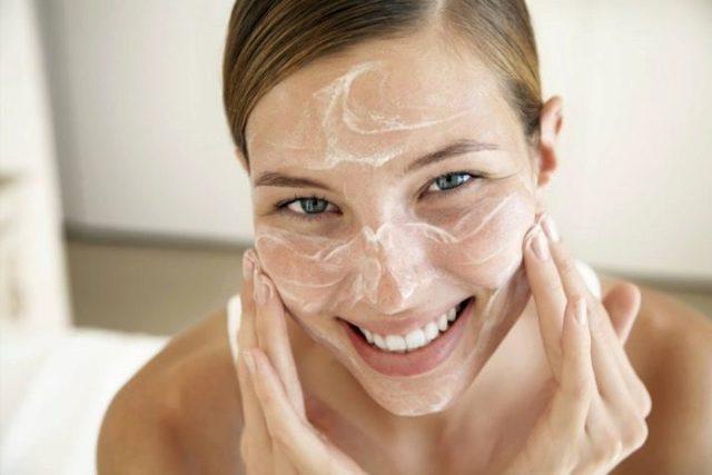 Чистка лица в домашних условиях: рецепты, как сделать очищение или очистку медом, аспирином и пеной для бритья от черных точек
