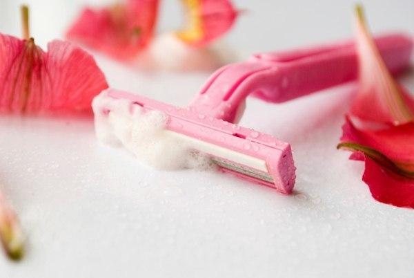 Раздражение после бритья в интимной зоне и других частях тела - как избавиться и убрать, как бриться без раздражения и прыщей