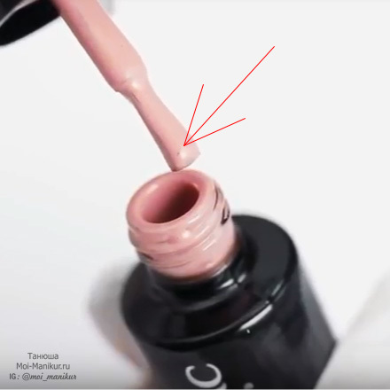 Почему пузырится лак на ногтях после нанесения: сушки и высыхания геля, морщится и появляются пузырьки когда красишь, скукоживается просушки