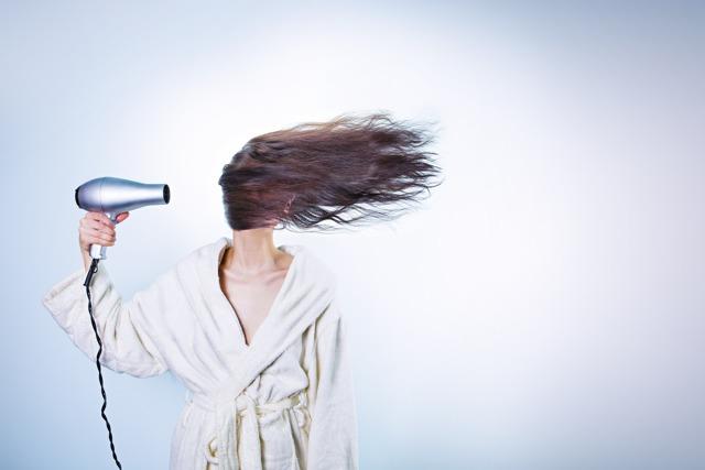Термозащита для волос: какая лучше, отзывы, рейтинг лучших спреев, средства Комплимент, бюджетная Лореаль, какую выбрать