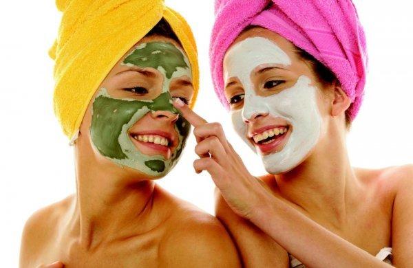 Виды масок для лица - 22 разновидности по типу кожи, по направленности дейтсвия и по форме выпуска; какие бывают маски в косметологии; какие витамины наносят на лицо в виде масок; популярные фирмы-производители уходовых средств для лица
