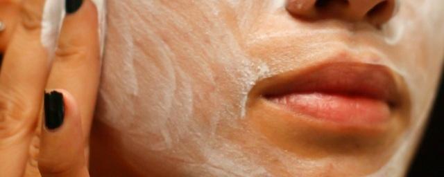 Перекись водорода для лица: отзывы, лечебные свойства маски от морщин в косметологии, дрожжи для отбеливания кожи от пигментных пятен