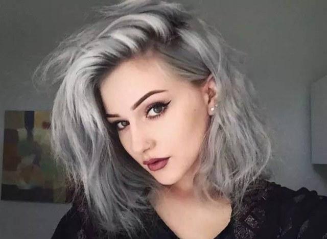 Омбре на длинные волосы: окрашивание 5 оттенках (русые, черные, каштановые, рыжие, цветное, пепельное, розовое, серое, блонд), покраска на стрижки (прямые, кудрявые, удлиненный боб, каскад), балаяж, шатуш брюнеткам и блондинкам