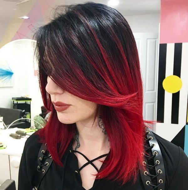 Красное омбре: 11 цветов на черные кончики на русых волосах, концы на темных коричневых, белые корни, красно-фиолетовое с рыжим