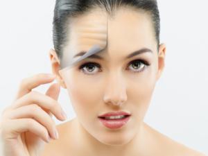 Пилинги для лица: виды профессиональных для зрелой кожи в косметологии, какие бывают аппаратные у косметолога и для домашнего использования