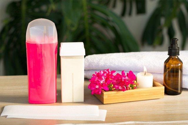 Пленочный воск и его виды - гранулированный, в плитках, в картриджах; как выбрать лучший для применения в домашних условиях: italwax solo, simple use beauty, скинс; инструкция по применению пленочного воска для депиляции, как им пользоваться