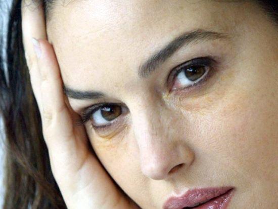 Крем от синяков под глазами: лучшая косметика с витамином К в аптеке