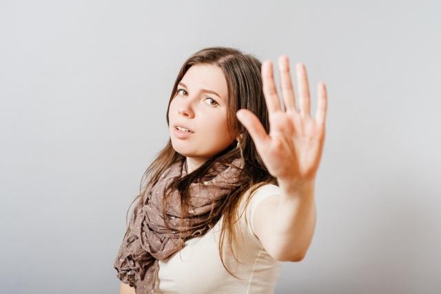 Можно ли делать массаж беременным: спины и шейно-воротниковой зоны при беременности в 1 и 2 триместре, ног при отеках, лица, поясницы