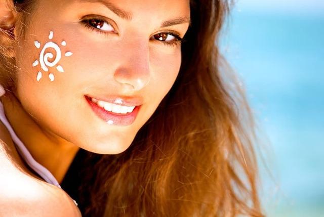 СПФ (spf): что это такое в косметике для лица, 13 кремов с защитой от солнца 15, 20, 30 и 50, рейтинг лучших солнцезащитных дневных