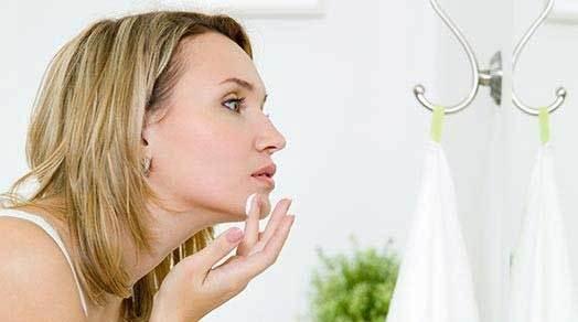 10 увлажняющих кремов для лица: рейтинг самых лучших