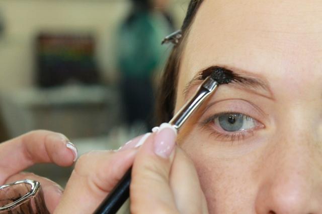 Можно ли красить брови краской для волос: почему нельзя покрасить тоником
