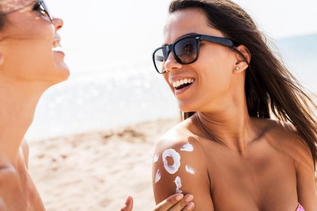 Масло для загара: какое лучше на солнце, какой крем лучший на море, брать натуральное молочко для солярия, отзывы о средствах, как выбрать