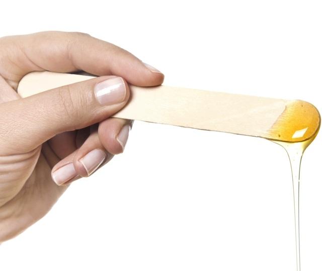 Техники шугаринга - 5 основных: мануальная, бандажная, ракельная, итальянская глазурь, шпательная
